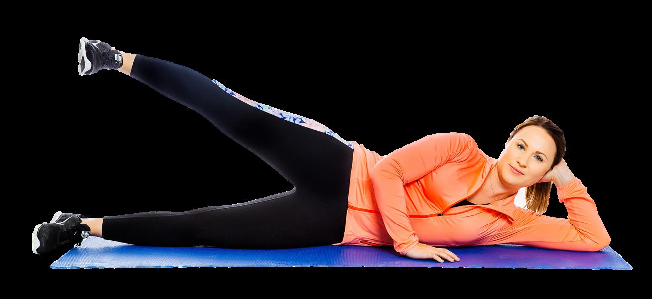 Nainen makaa kylkimakuulla ja nostaa suoraa jalkaa kohti kattoa